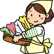 洗濯物を取り入れるお母さん
