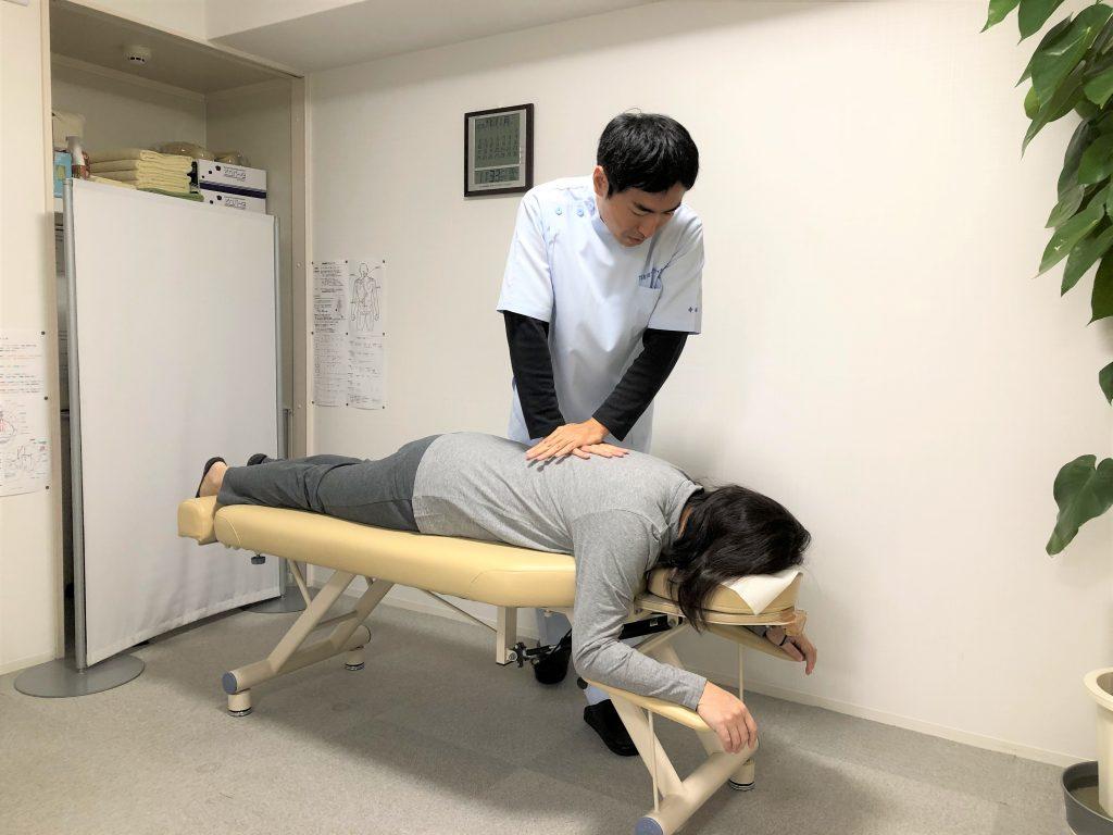 脊椎の矯正